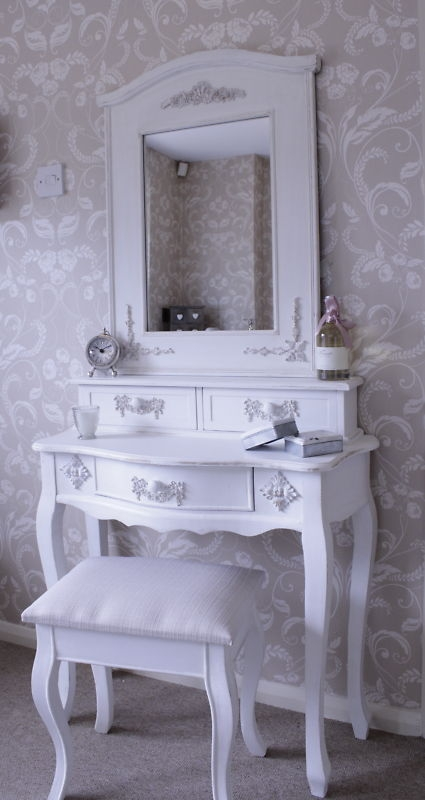 Mirrored Vanity Table And Stool: 'Pays Blanc' Antique White Dressing Table And Mirror With