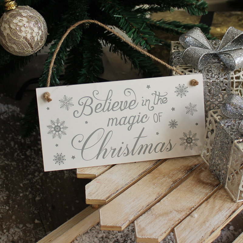 'Believe in the Magic of Christmas' Wall Plaque