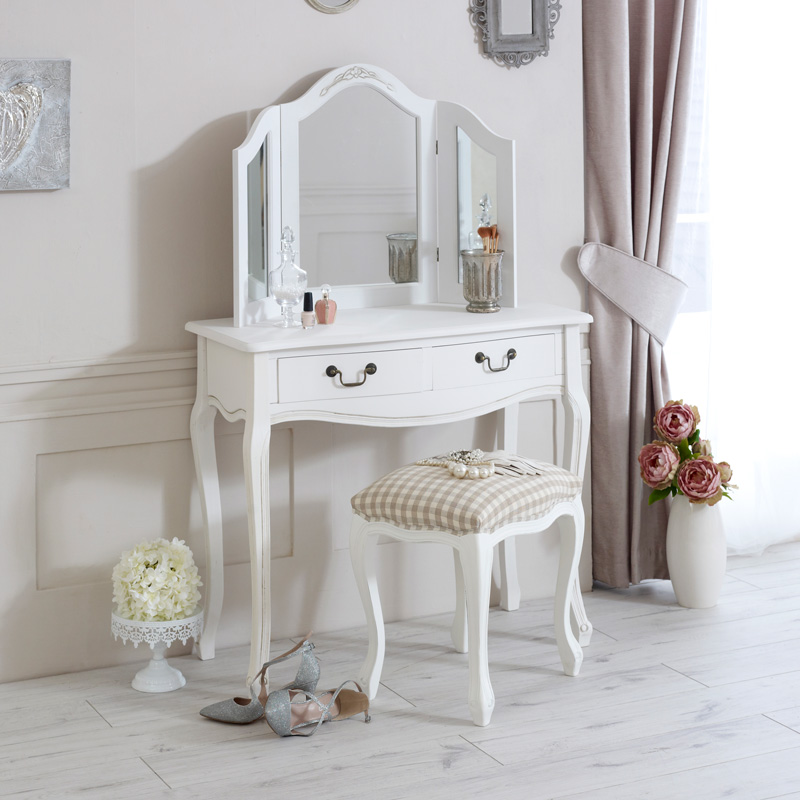 Delightful Dressing Table, Triple Mirror And Stool Bedroom Furniture Set   Classic  White Range