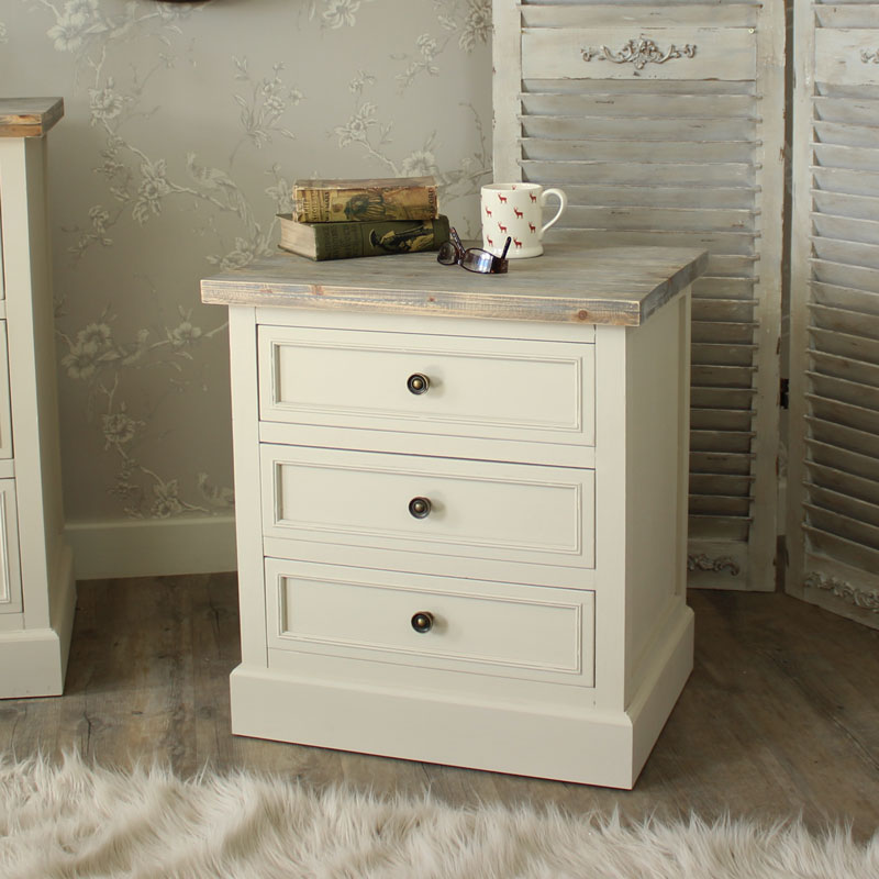 Cotswold Range - 3 Drawer Bedside Chest