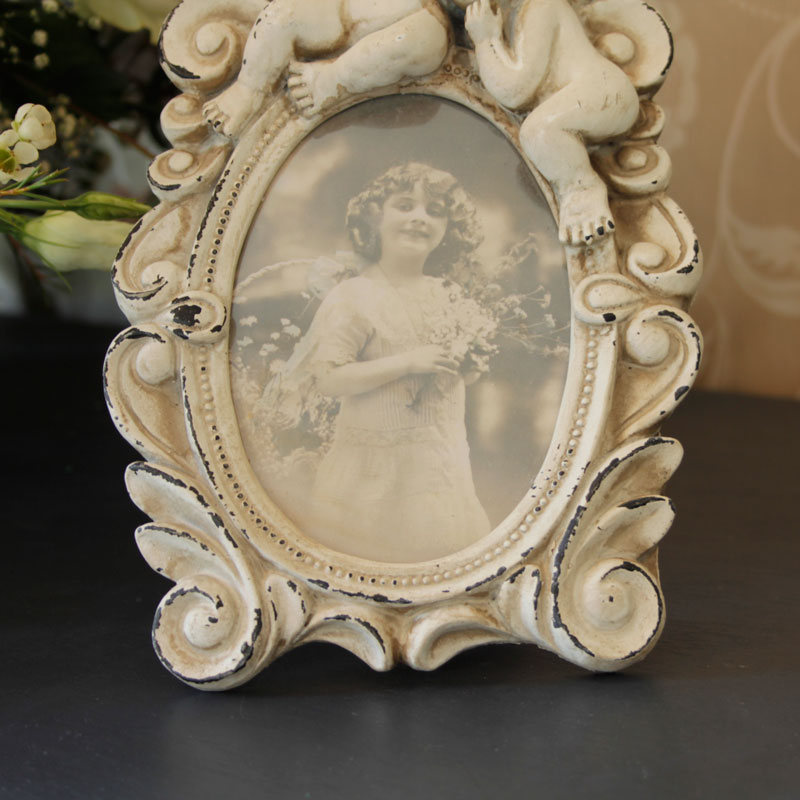 Cream Victorian Angel Oval Photoframe Melody Maison 174