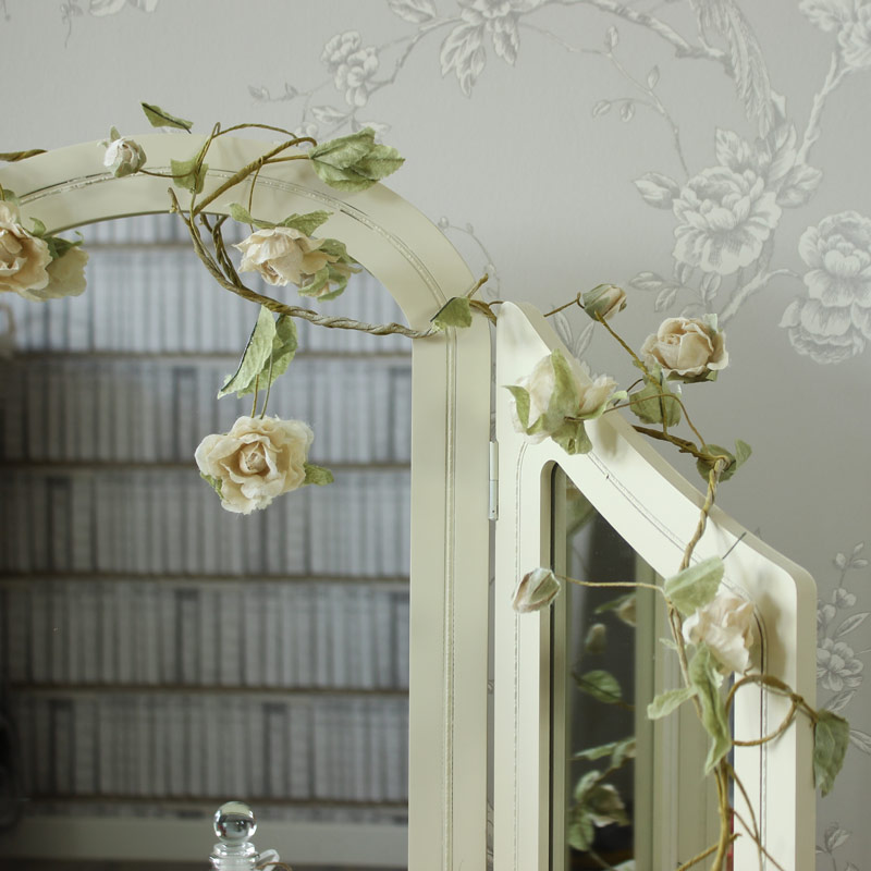 Cream Wire Rose Garland