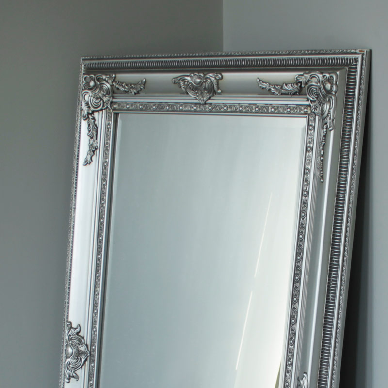 Silver bevel wall mirror melody maison for Large silver wall mirror