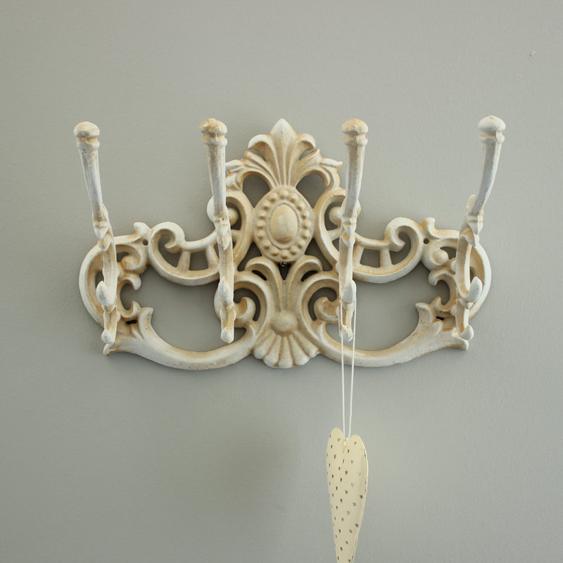 ornate cream coat hook shabby chic distressed four hooks french country home ebay. Black Bedroom Furniture Sets. Home Design Ideas