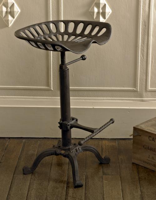 Replica Tractor seat bar stool Melody Maison174 : replica tractor seat bar stoolMM18614 from www.melodymaison.co.uk size 500 x 638 jpeg 38kB