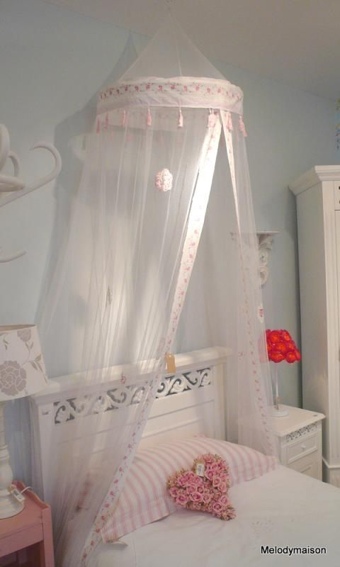 Shabby chic furniture french style home accessories for Canopy over bed