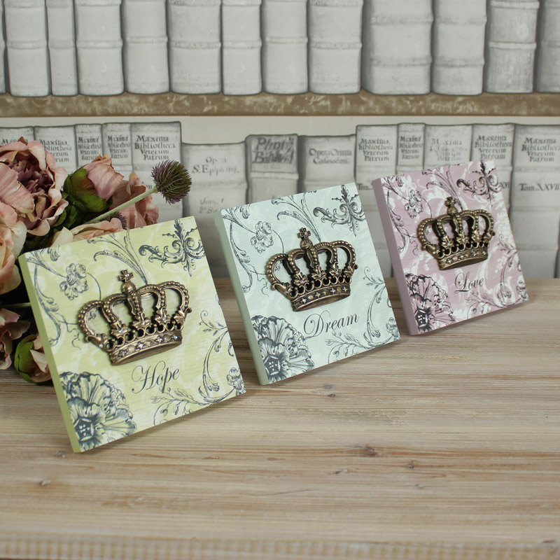 Set of 3 Crown Wall Plaques