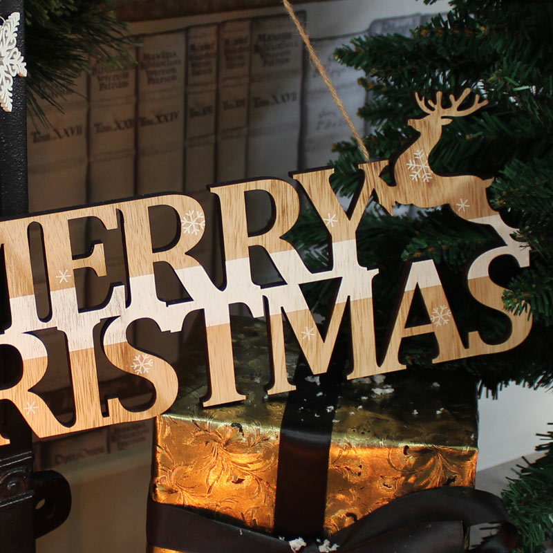 Wooden Merry Christmas Reindeer Sign