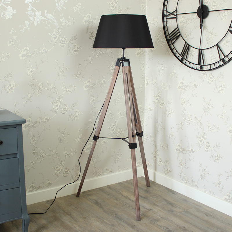Floor standing lamp wooden tripod lamp with shade