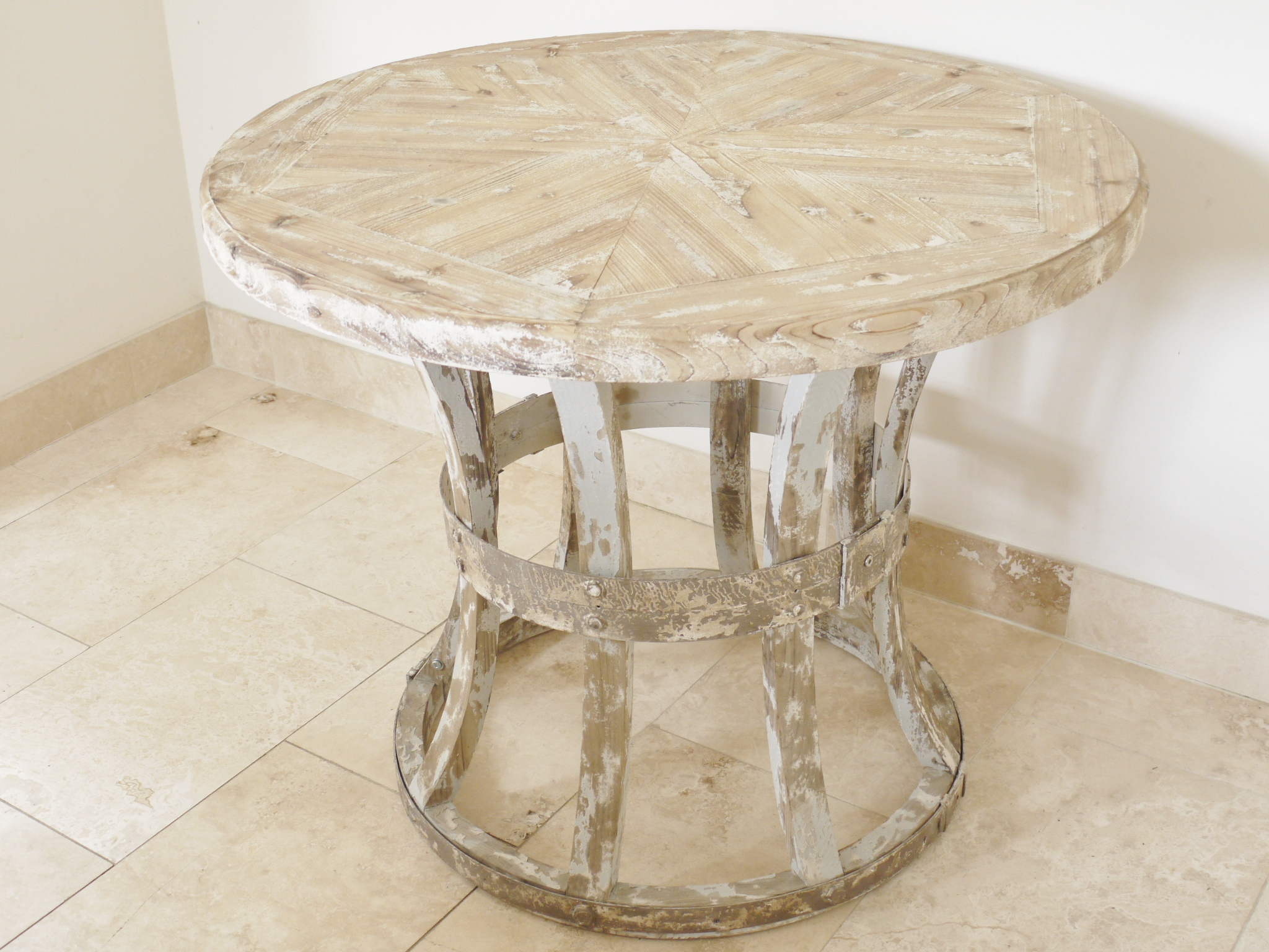 Round wooden distressed style dining table melody maison for Distressed round dining table