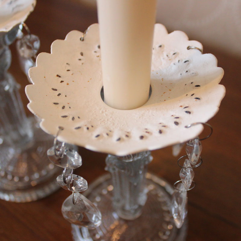 White candle arm decoration with glass droppers melody for Decoration maison white