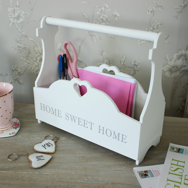Wooden Heart Magazine Holder