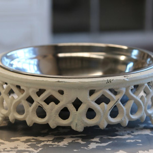 Cream lattice effect pet bowl