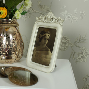 Cream Photograph Frame