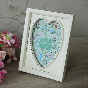 Cream Wooden Heart Photograph Frame