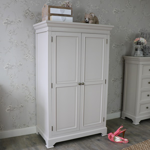 Linen Closet/Low Wardrobe - Daventry Range
