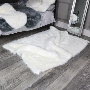 Large White Faux Fur Shaggy Rug 120cm x170cm