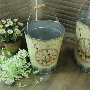 Metal Vintage Floral Decorative Pail/Bin