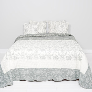 Quilted Floral/Damask Print Bedspread