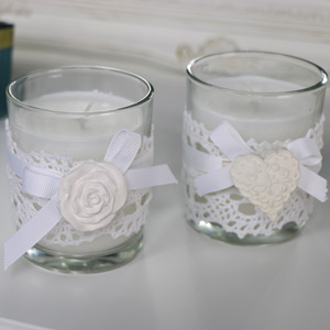 Set of 2 White scented Candles with Heart & Rose Motif