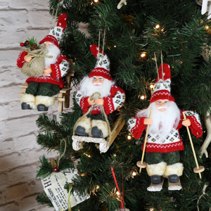 Set of 3 Traditional Santa's