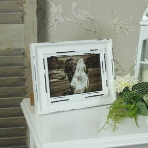 White Wooden 6 x 4 Photograph Frame