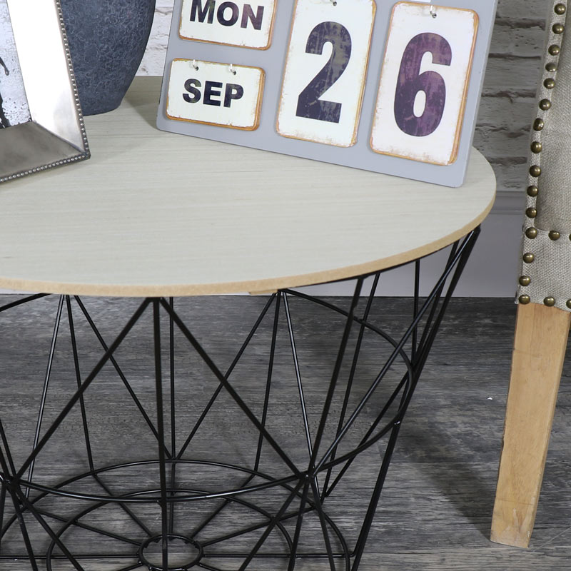 Black metal wire basket wooden top side table melody maison black metal wire basket wooden top side table greentooth Image collections