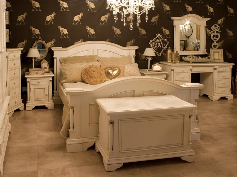 Canterbury Range   Cream Wooden Double Bed. Canterbury Range   Cream wooden Double Bed   Melody Maison