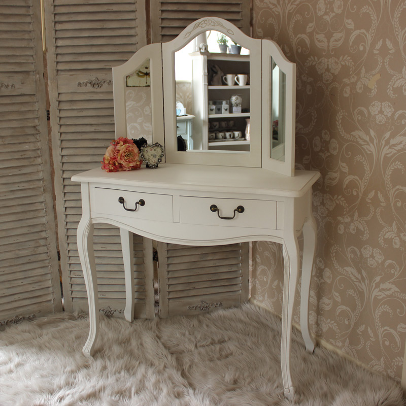 Classic white dressing table mirror melody maison - White mirror for dressing table ...