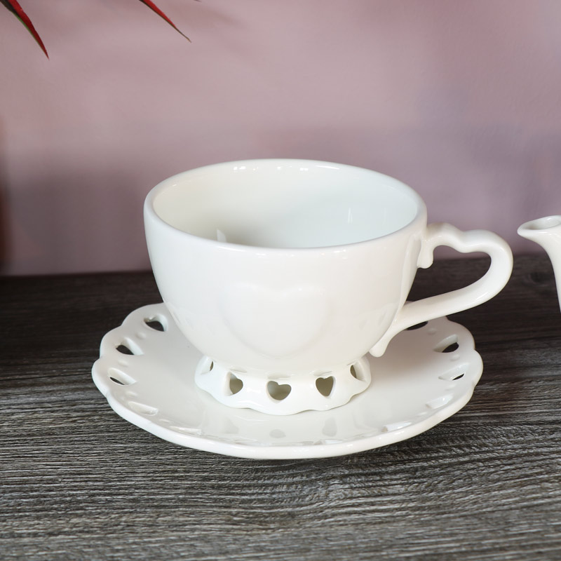 Country Heart 'Tea-for-One' Teacup, Teapot and Saucer Set