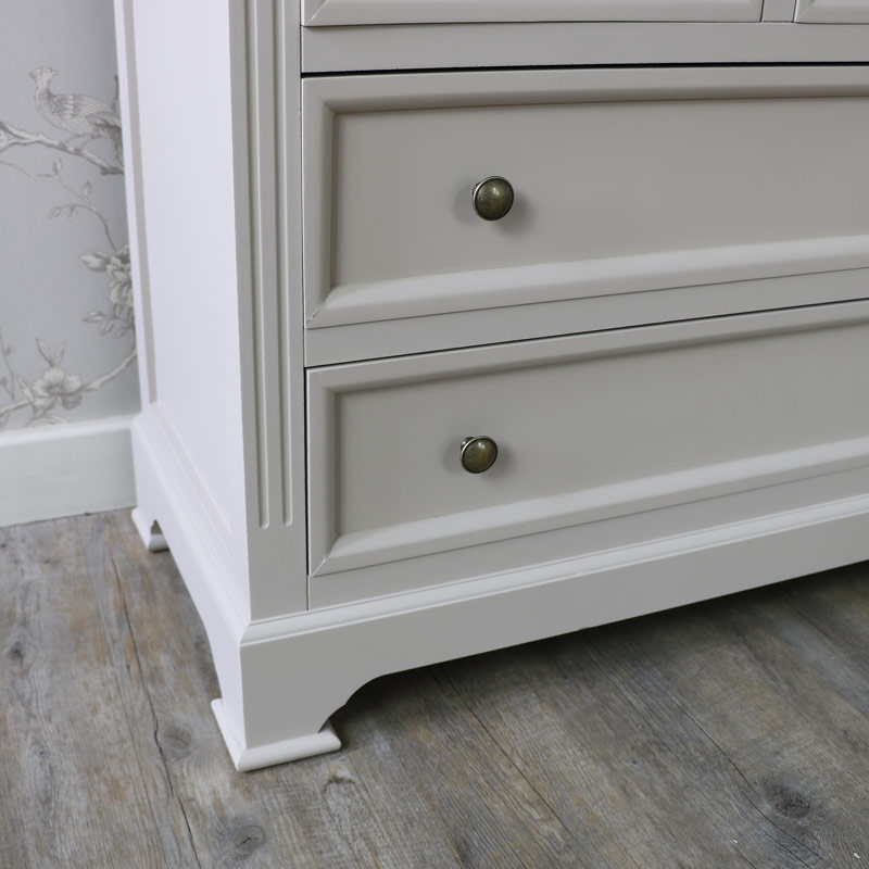 Daventry Range - Two Over Two Chest of Drawers