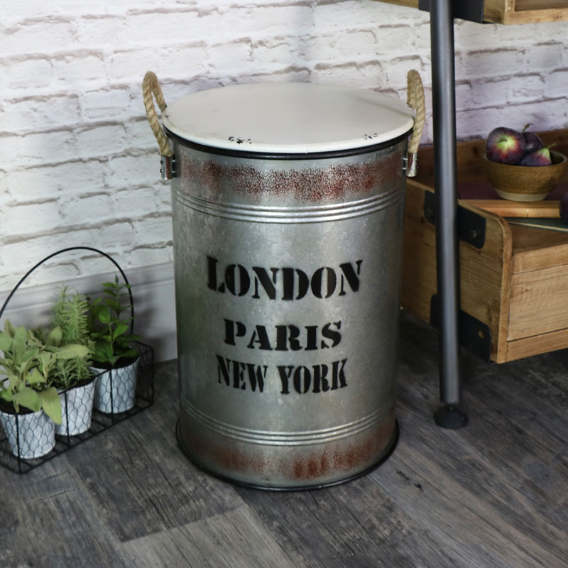 industrial metal storage bin with lid melody maison. Black Bedroom Furniture Sets. Home Design Ideas