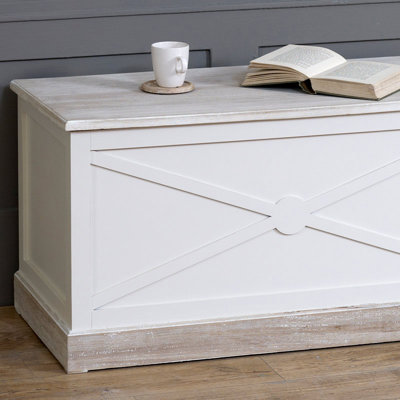 Large Country Cream Blanket Storage Chest - Lyon Range