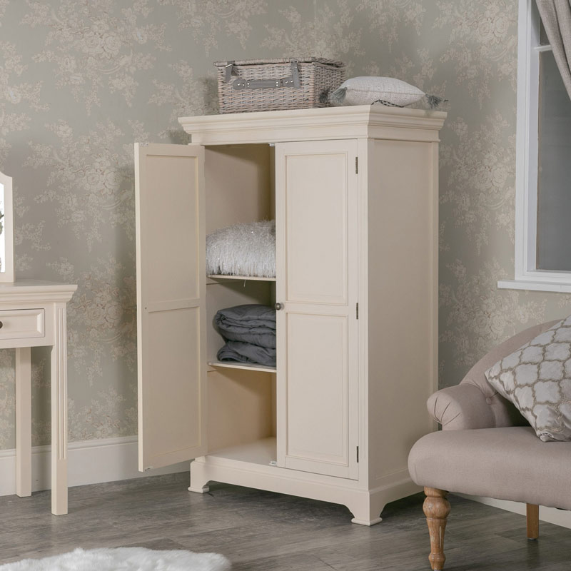 Small Cream Wardrobe Daventry Cream Range Melody Maison 174