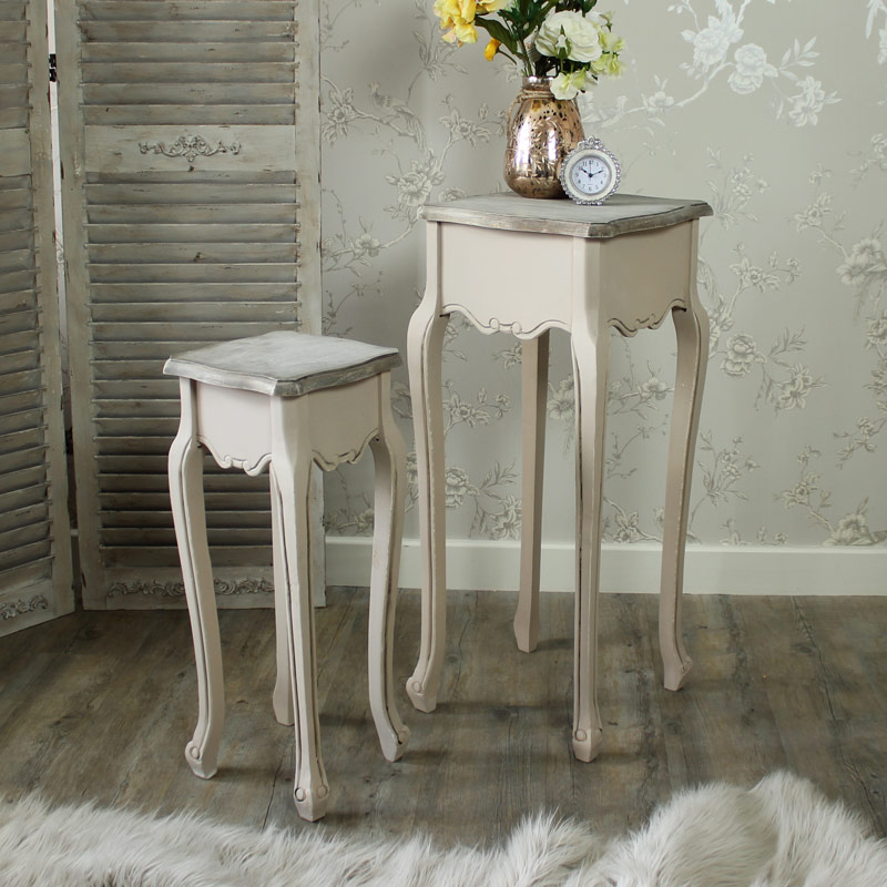 Louisiana Range - Set of Two Nest of Tables