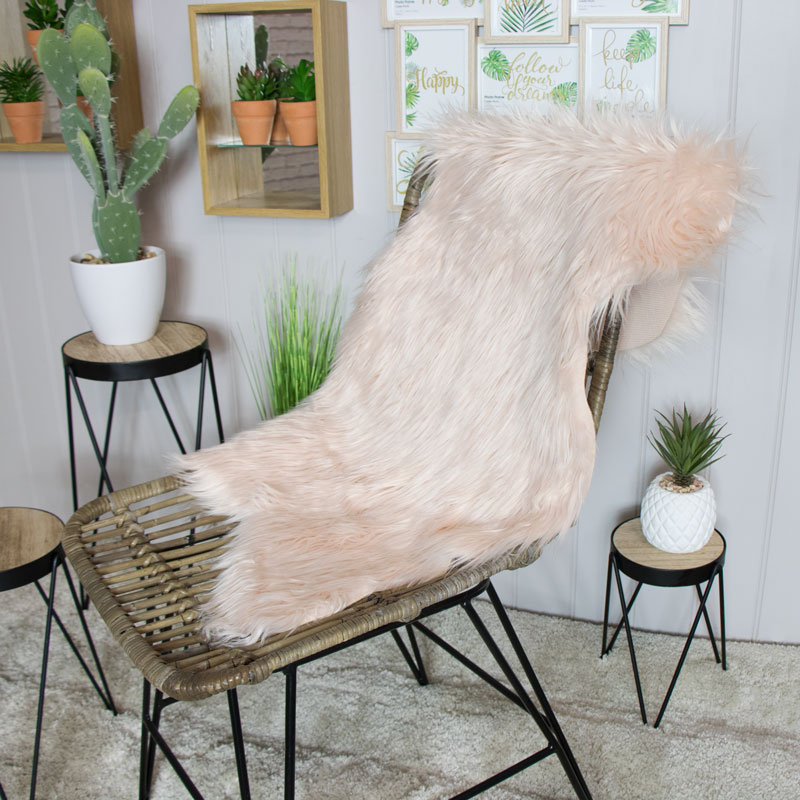 Luxury Soft Faux Fur Pink Bedroom Rug