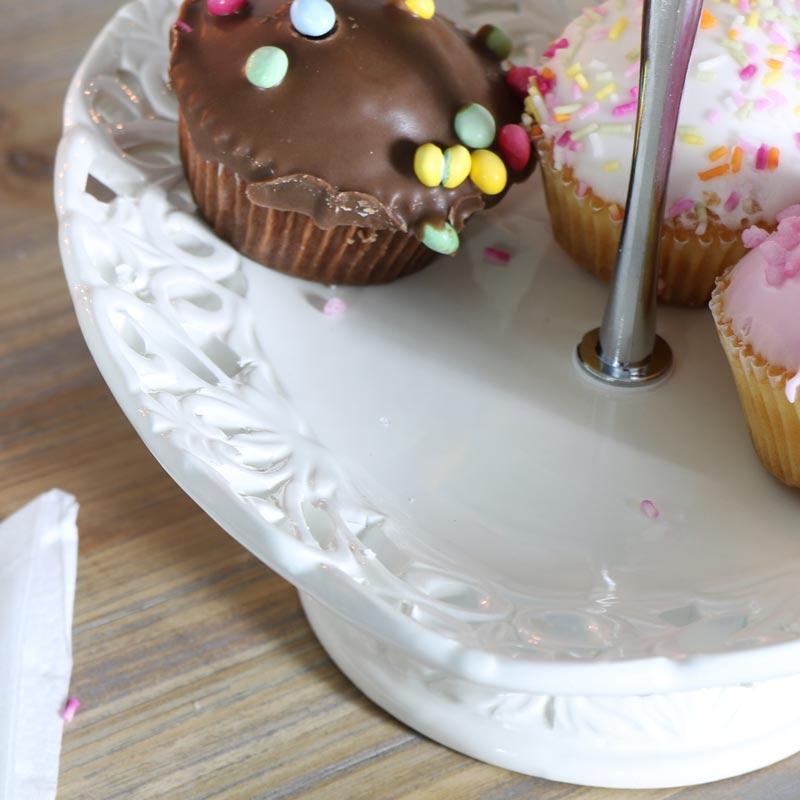 Pretty 2 tier cream heart cake stand melody maison for Pretty cake stands