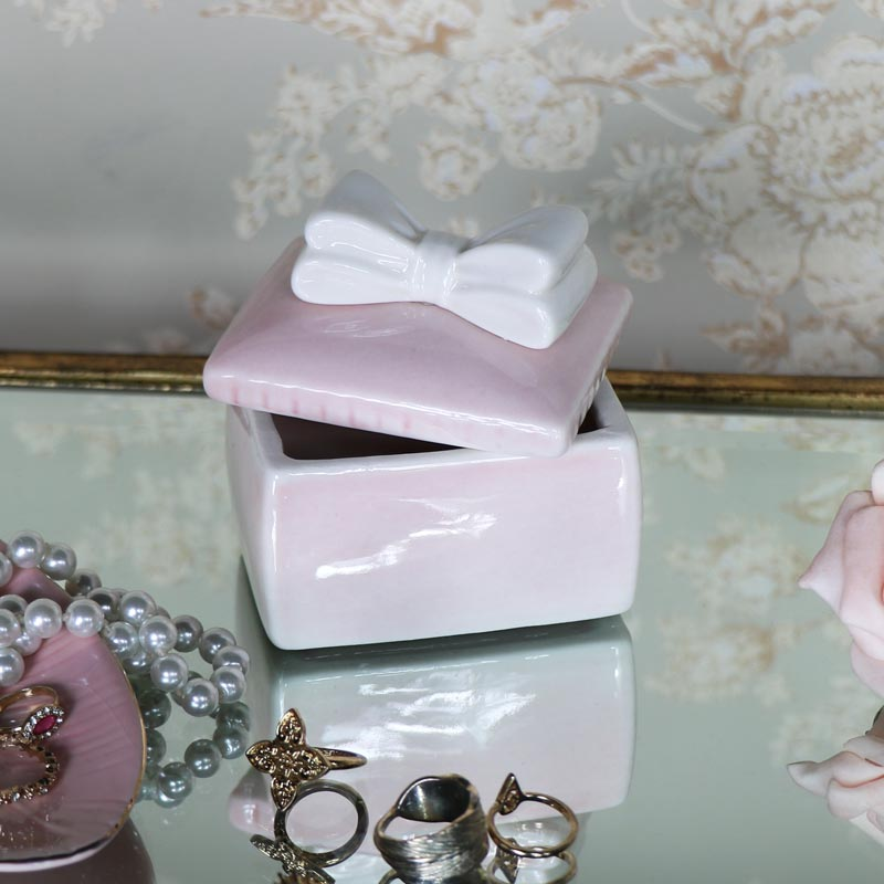 Pretty White Bow Boudoir Trinket Box