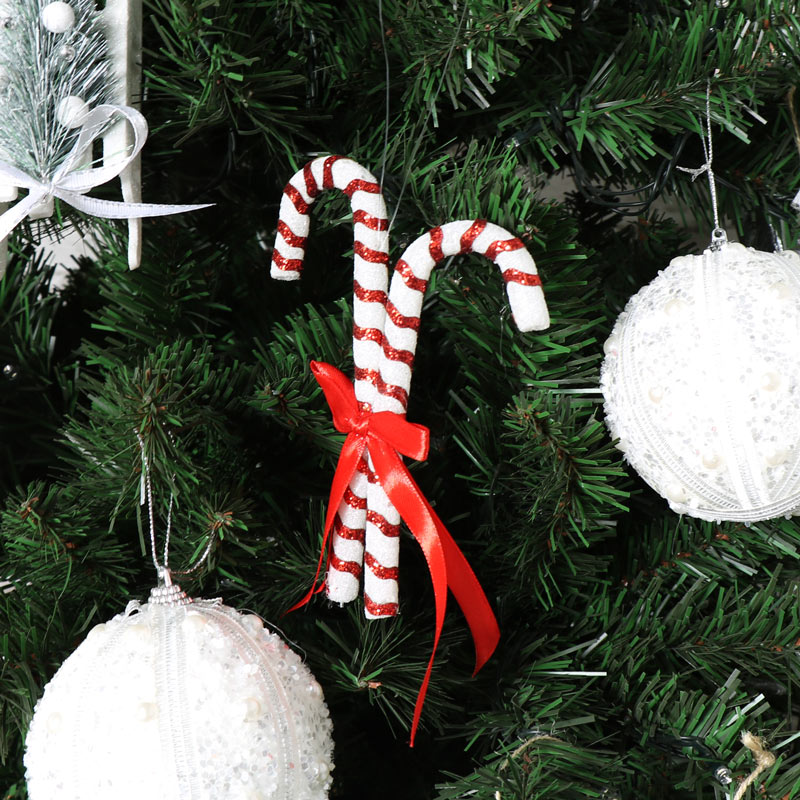 Red white christmas candy cane decoration melody maison for Decoration maison white