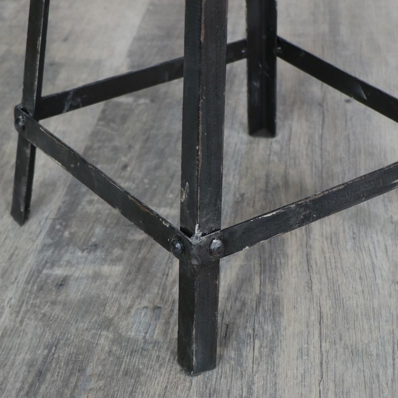 Retro Black Industrial Metal Bar Stool