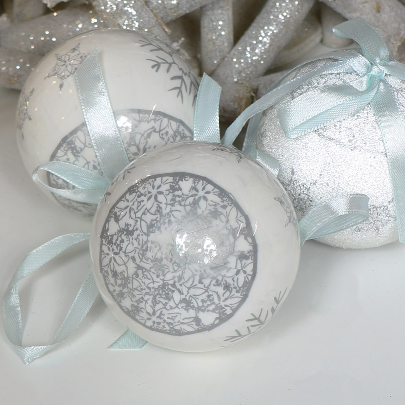 Set of 14 Christmas Tree Baubles with Gift Box