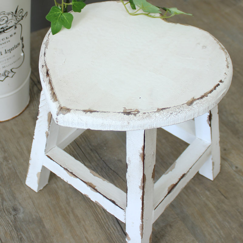 small white painted wooden heart stool shabby french chic country girl 39 s bedroom ebay. Black Bedroom Furniture Sets. Home Design Ideas