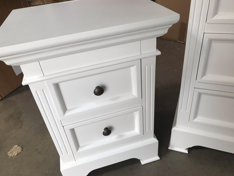 White Bedroom Furniture, Chest of Drawers & Pair of Bedside Tables - Daventry White Range DAMAGED SECOND 3002