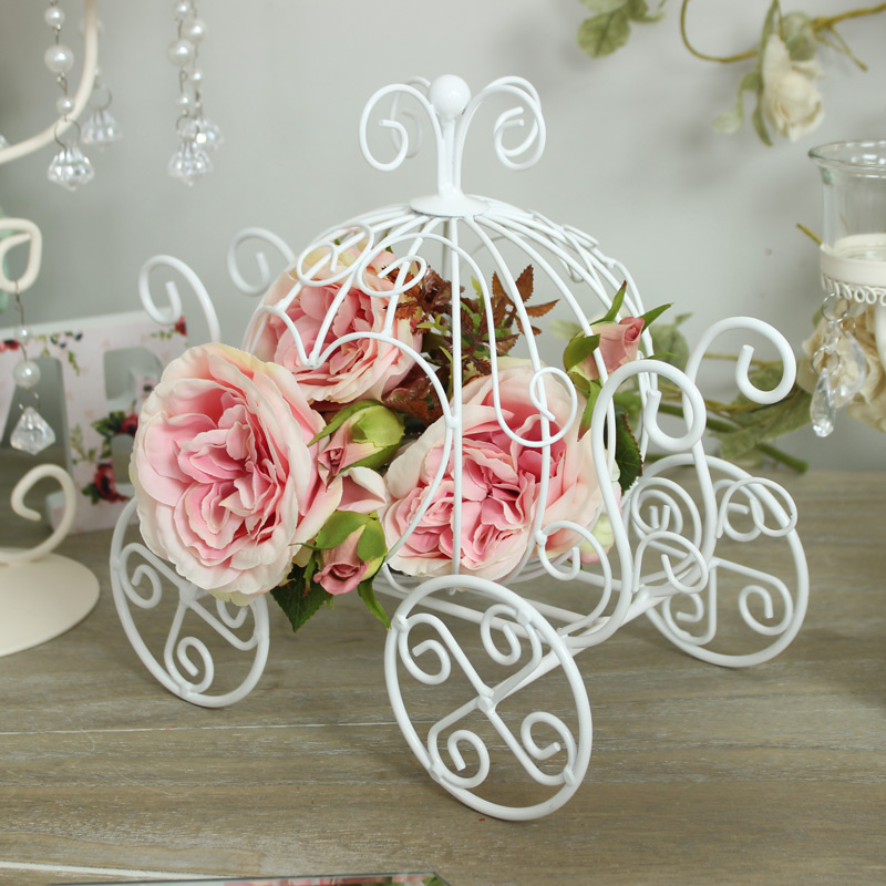 White Metal Heart Carriage Candle Holder