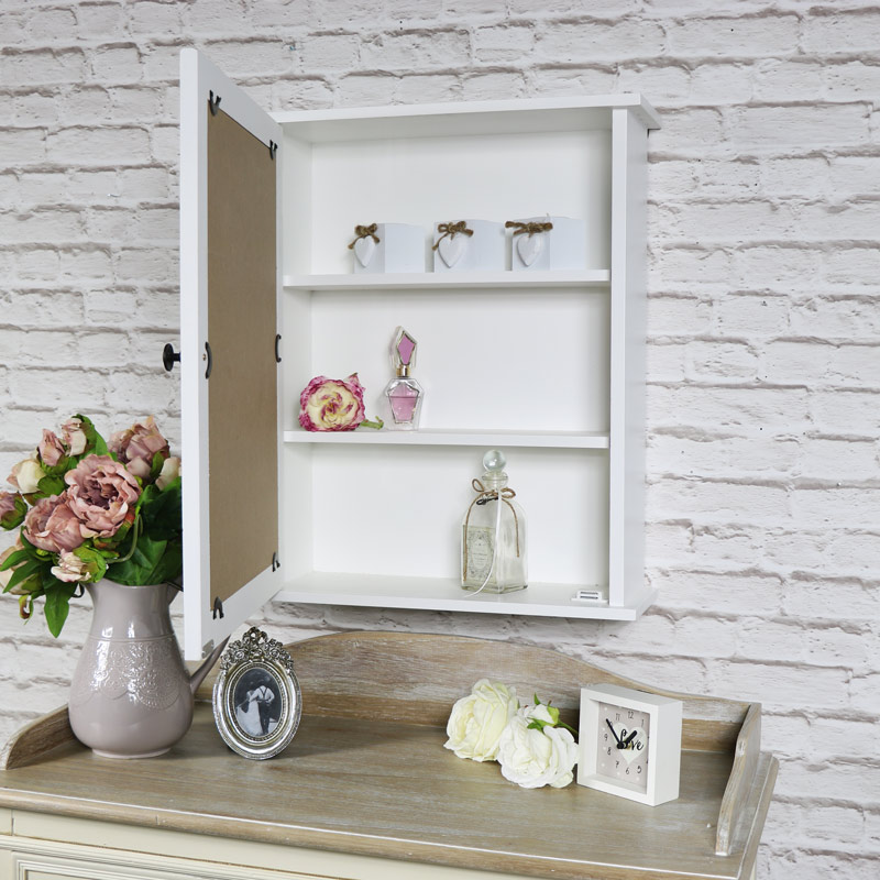 White mirrored bathroom cabinet melody maison for White mirrored cabinet