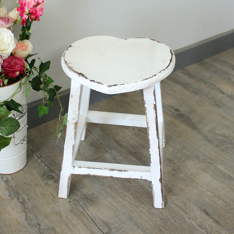 white painted wooden heart stool shabby french chic country kitchen home ebay. Black Bedroom Furniture Sets. Home Design Ideas