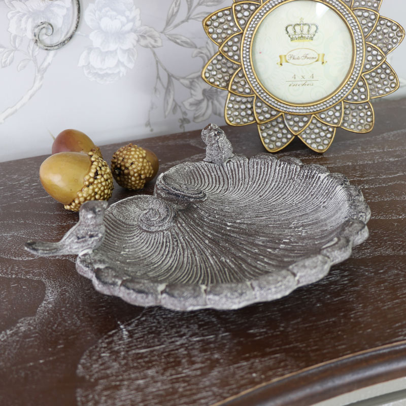 Pretty Shell Shaped Bird Feeder Bowl