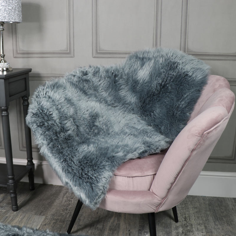 Single Pelt Grey Faux Fur Rug 65cm x 100cm