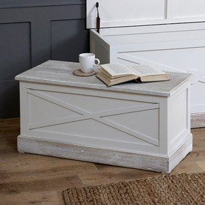 Country Cream Blanket Storage Chest - Lyon Range