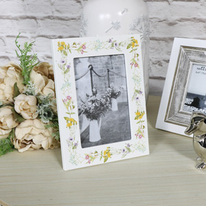 Cream Floral Photograph Frame